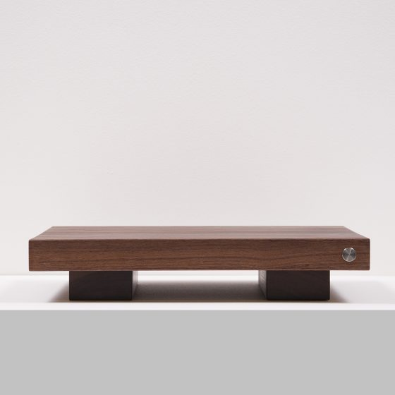 Walnut Amp Stand Front 001
