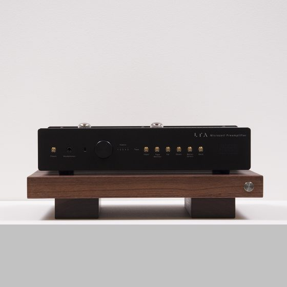 Walnut Amp Stand Front 002